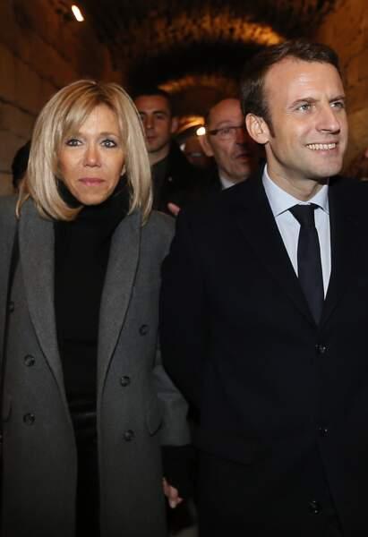 """Emmanuel Macron, leader du mouvement """"En Marche"""", candidat à l'élection présidentielle et sa femme Brigitte"""