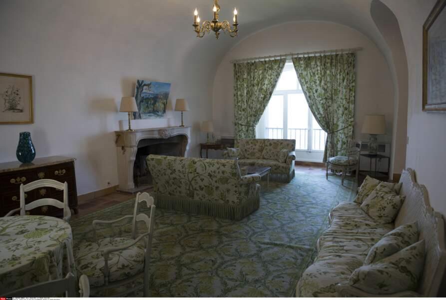 Un des salons du fort de Brégançon, où Emmanuel et Brigitte Macron passent leurs vacances