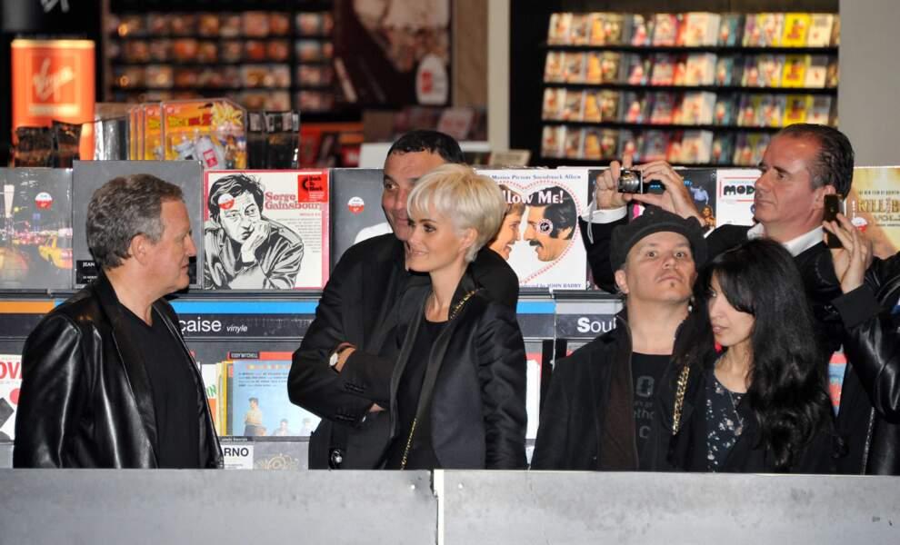 Ils étaient au Virgin Megastore des Champs-Elysées à Paris.