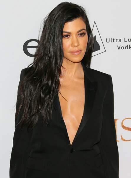 Kourtney Kardashian fait briller ses cheveux grâce à un masque DIY