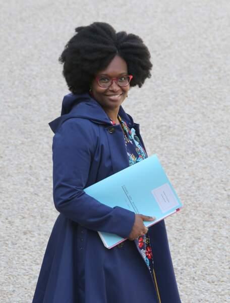 Mère de deux jumelles, elle est mariée à Patrice Roques, d-g adjoint d'une société de HLM