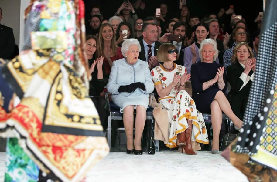 Quand Elizabeth II a autorisé son habilleuse, Angela Kelly, à écrire un livre sur leur collaboration