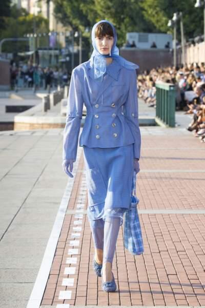 Marco de Vincenzo mixe couleur et tailoring, autre grande tendance des défilés.