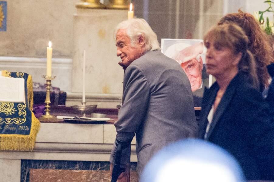 Jean-Paul Belmondo s'est affiché très affaibli lors des obsèques de Charles Gérard