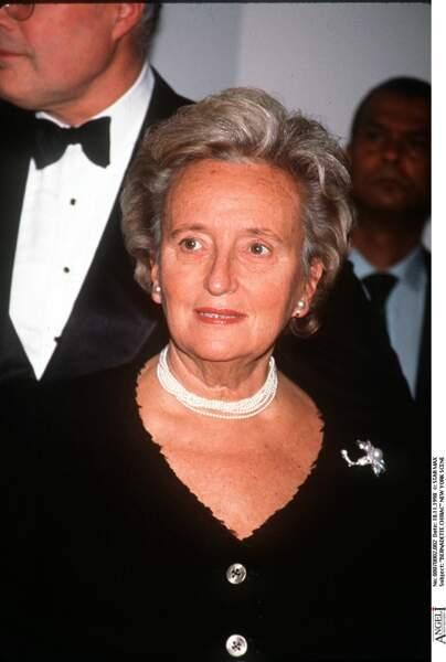 Bernadette Chirac, en veste noire et collier de perles, lors d'un gala à New York en 1998