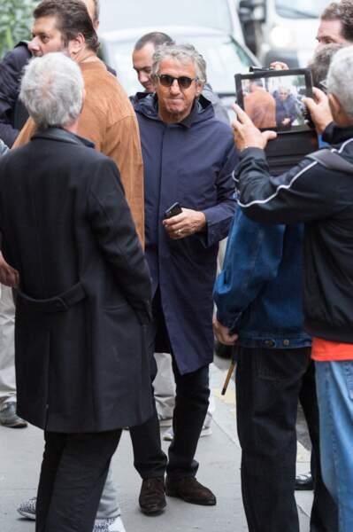 Richard Anconina s'est lui aussi présenté à la cathédrale arménienne Saint-Jean-Baptiste de Paris