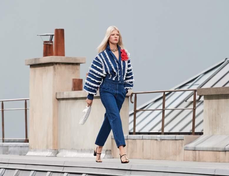 Chanel twiste le jean version XXL, ultra élégant.
