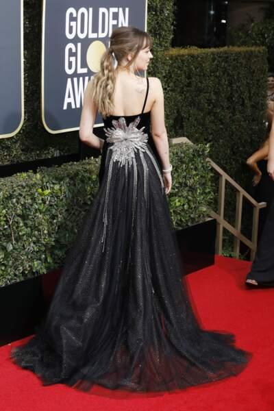 Dakota Johnson porte très bien la queue-de-cheval wavy