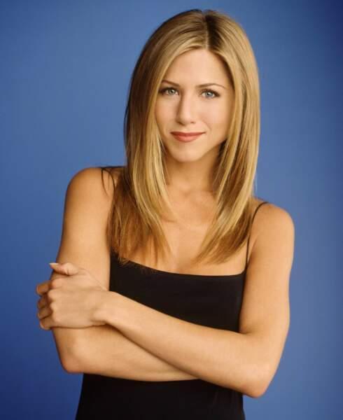2000 : Jennifer Aniston lors de la 6ème saison de Friends avec une coupe de cheveux qu'elle a toujours à 50 ans !