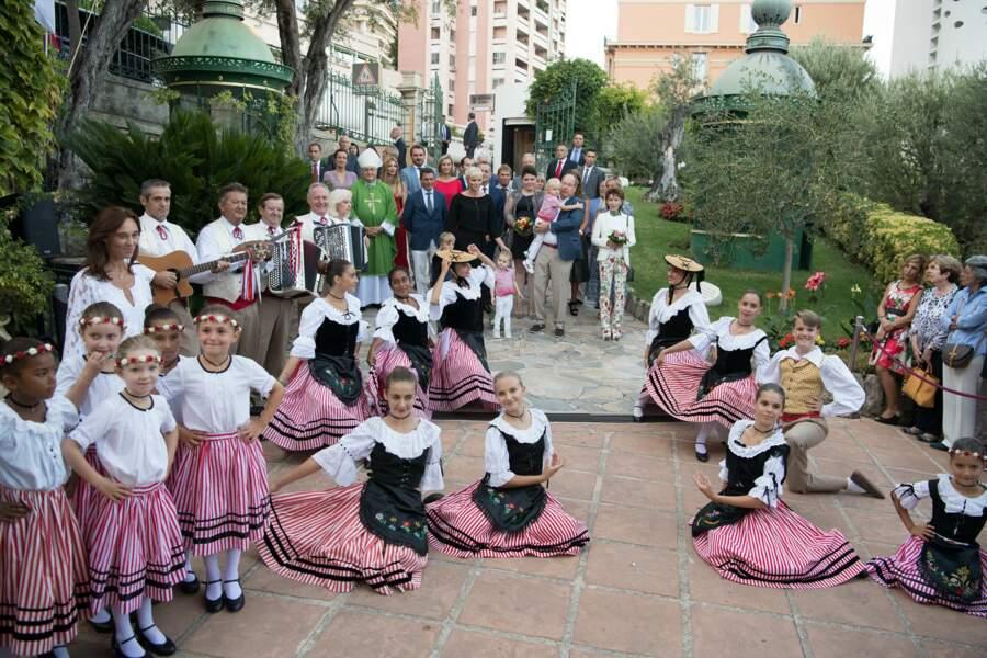 Dernière photo de groupe avant la fin des festivités...