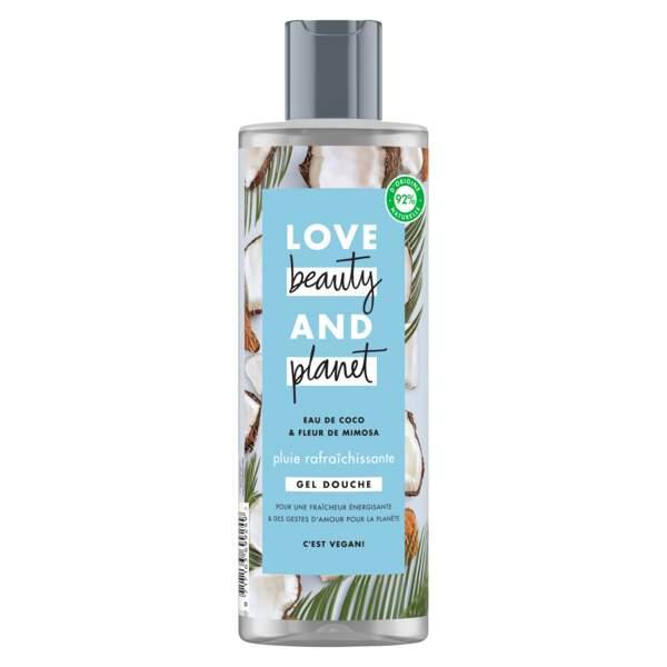Toute jeune, Love beauty ans planet offre des soins vegan pour toute la famille à travers des gels douche et des shampooings.