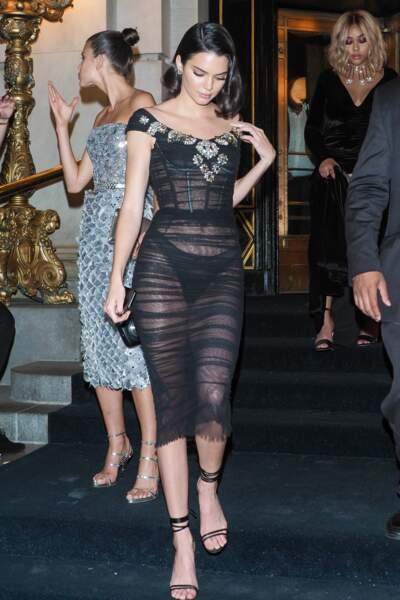Kendall Jenner se la joue en transparence sexy