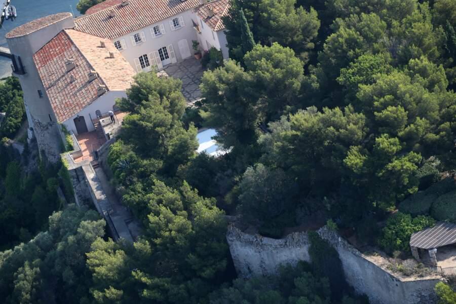 Vue aérienne du Fort de Brégançon où les Macron passeront les vacances
