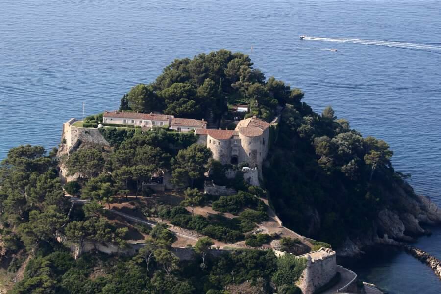 Vue sur le fort de Brégançon, où Emmanuel et Brigitte Macron passent leurs vacances