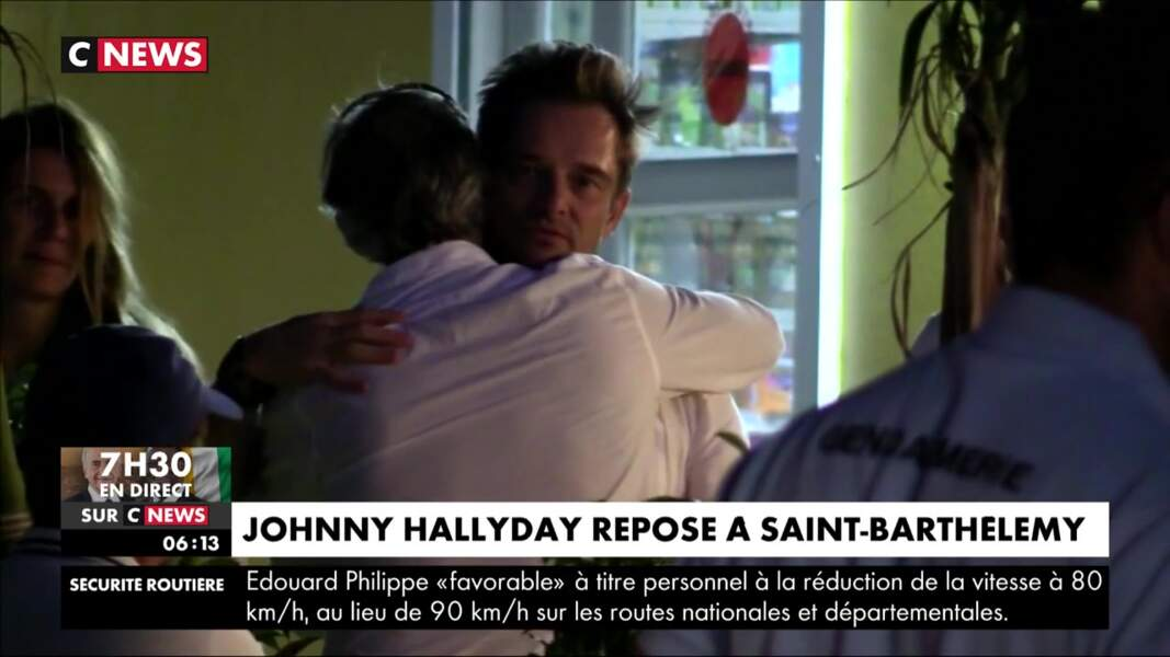 David Hallyday réconforte ses amis