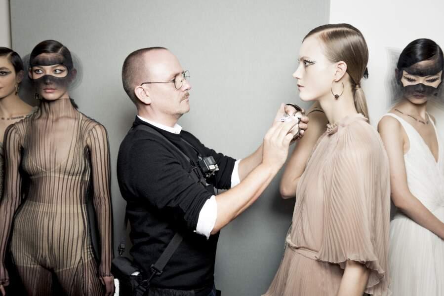 Le regard ultra graphique imaginé par Peter Philips chez Dior