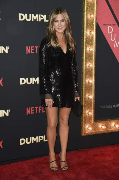 2018 : Jennifer Aniston, un corps parfait et des cheveux blonds dorés longs