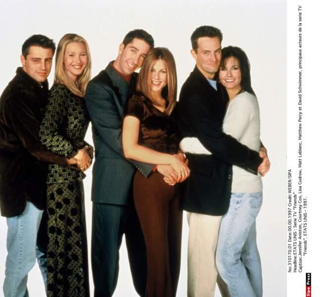 Jennifer Aniston dans Friends qui fera d'elle la star avec sa coupe de cheveux mythique
