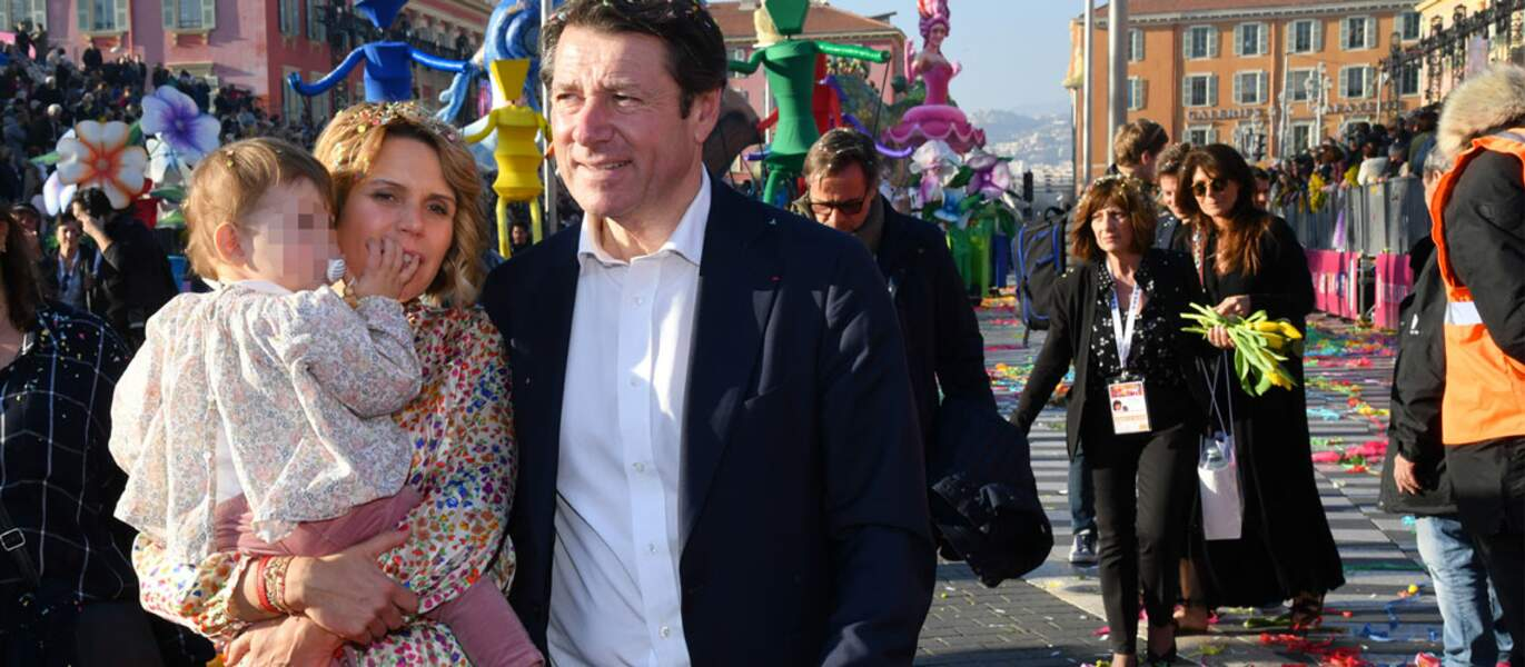 Le maire de Nice Christian Estrosi, sa compagne Laura Tenoudji, et leur fille Bianca, lors du Carnaval de Nice.