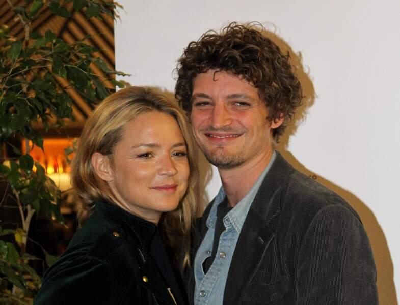 Virginie Efira et Niels Schneider, complices à Athènes, le 6 avril 2019