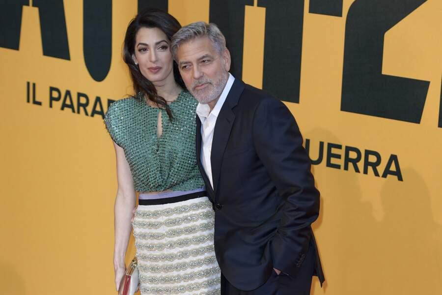 """George Clooney et sa femme Amal Clooney Alamuddin à la première de la série TV """"Catch 22"""" à Rome, le 13 mai 2019."""
