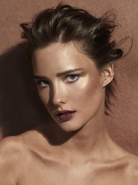 maquillage doré en toute sensualité