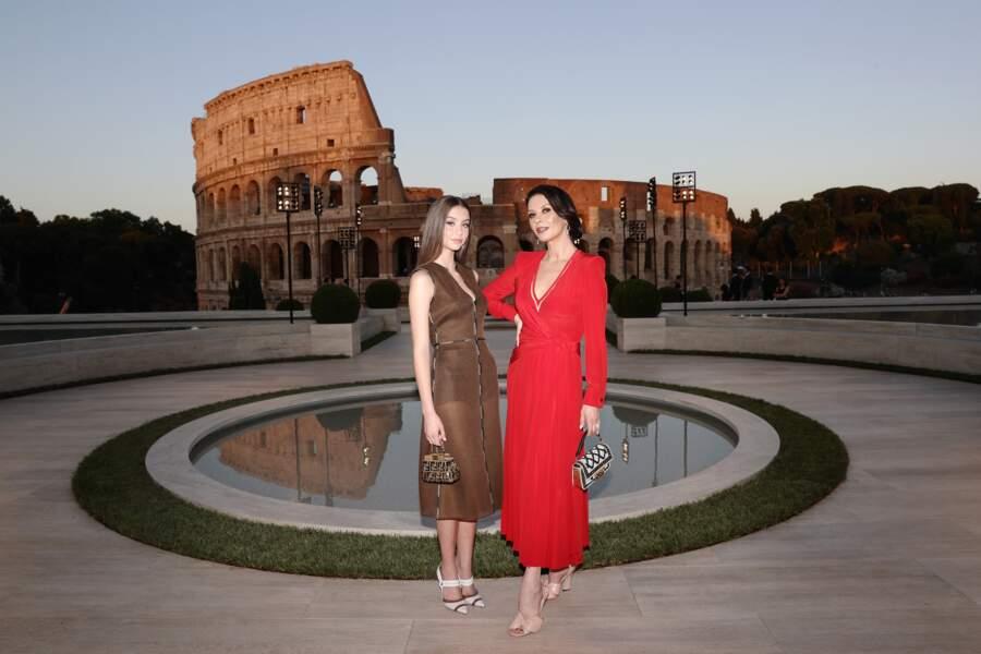Mère et fille ont assisté à la soirée Haute Couture Fendi à Rome, hommage à Karl Lagerfeld.