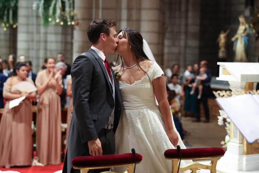 Cette fois, la robe de mariée de Marie Chevallier été dessinée par Pauline Ducruet et créée par l'Atelier Boisanger