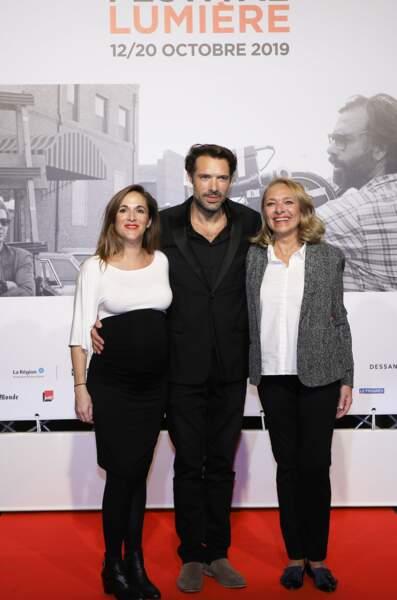 Victoria Bedos a posé avec son frère et sa maman lors de la cérémonie d'ouverture du festival Lumière, à Lyon