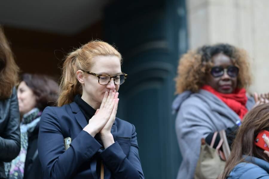 Odile Vuillemin ne cache pas son émotion lors des obsèques de son ami et ancien partenaire de jeu, Jean-Michel Martial