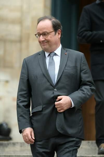 Entre deux moments d'émotion, François Hollande a esquissé un petit sourire en souvenir de Jean-Michel Martial