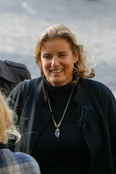 Lisa Azuelos arrive aux obsèques de sa mère, le 7 novembre