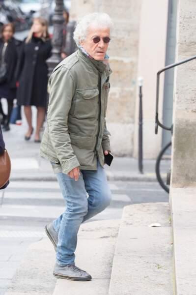 Le comédien Jean-Luc Moreau arrive aux obsèques de Pascale Roberts le vendredi 8 novembre 2019