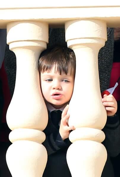 La craquante frimousse du petit Raphaël Elmaleh, alors âgé de 3 ans, au balcon du palais princier à l'occasion de la fête nationale monégasque, le 19 novembre 2016
