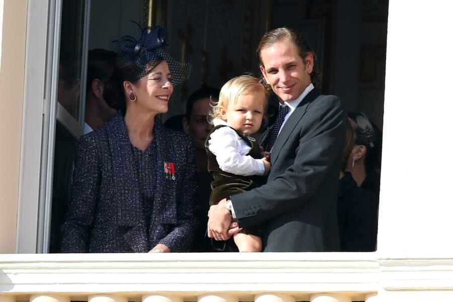 La princesse Caroline de Hanovre, Andrea Casiraghi et son fils Sacha au balcon du palais princier lors de la fête nationale monégasque, le 19 novembre 2014.