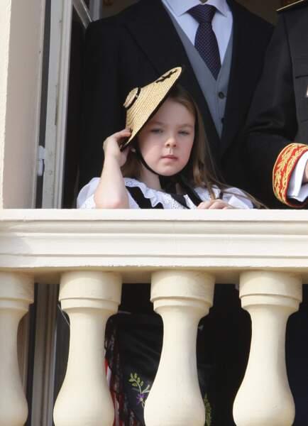 La princesse Alexandra de Hanovre, en costume traditionnel, au balcon du palais lors de la fête nationale monégasque, le 19 novembre 2007.