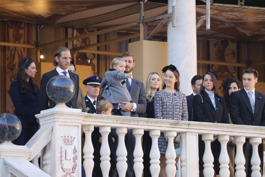 La famille princière de Monaco, réunie dans la cour du Palais Princier lors de la fête Nationale monégasque à Monaco, le 19 novembre 2018.