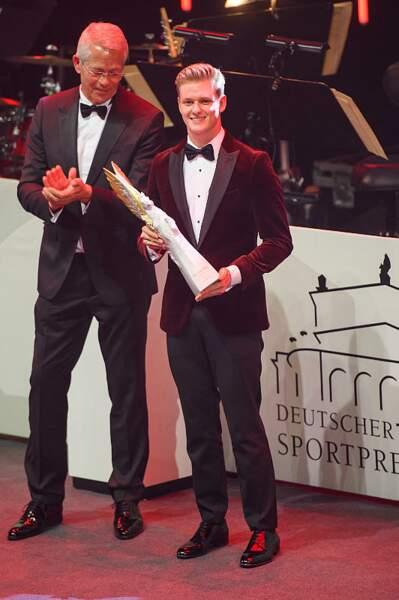 Mick Schumacher avec le prix Pegasos
