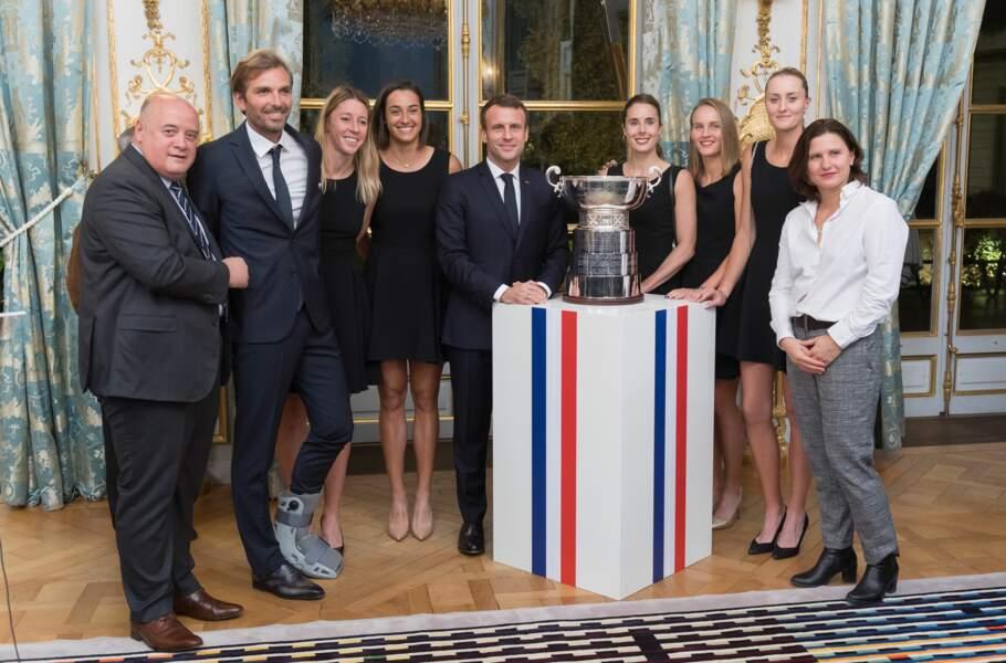 Emmanuel Macron et la ministre des sports Roxana Maracineanu ont reçu les championnes de la Fed Cup