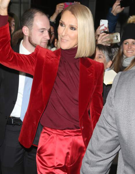 Céline Dion ose un lokk androgyne très sexy signé Tom Ford.