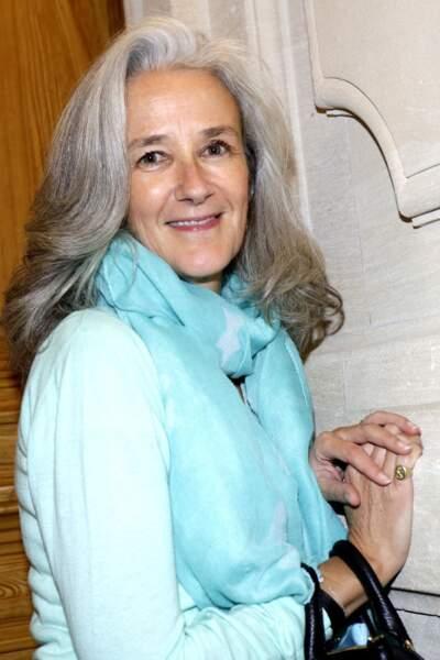 La sublime chevelure grisonnante de l'écrivain Tatiana de Rosnay.