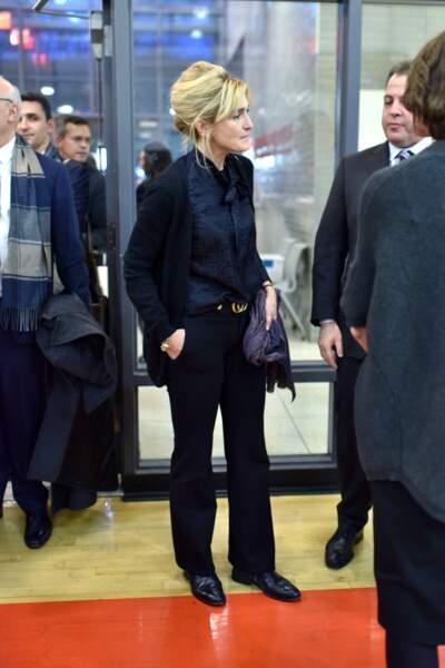 L'actrice avait choisi une élégante tenue noire contrastant parfaitement avec ses cheveux blonds