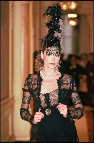 Star du défilé Chanel en 1996