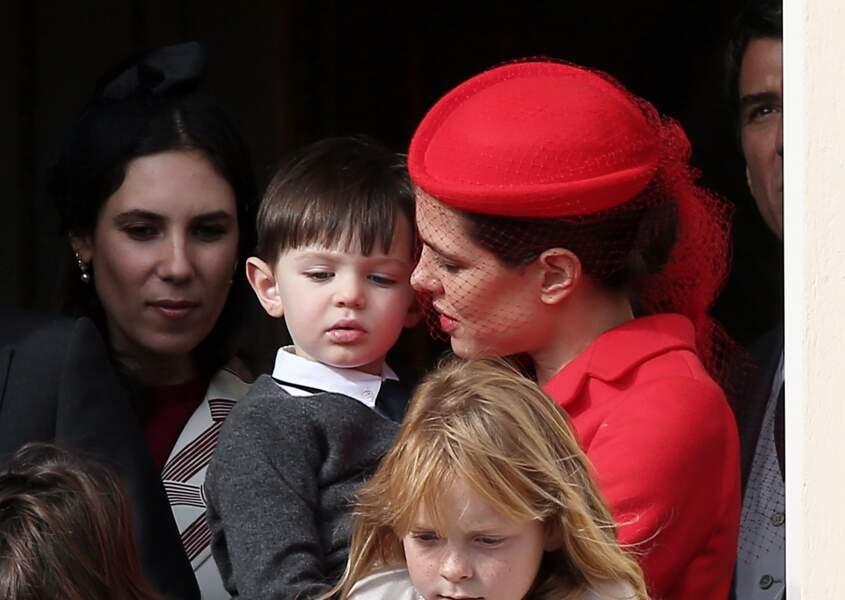 19 novembre 2016 : Charlotte Casiraghi et son fils Raphaël,  se présentent au balcon lors de la Fête Monégasque à Monaco.