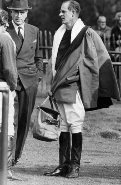 Louis Mountbatten (à gauche) et le Prince Philip. Son oncle est rapidement devenu son mentor.