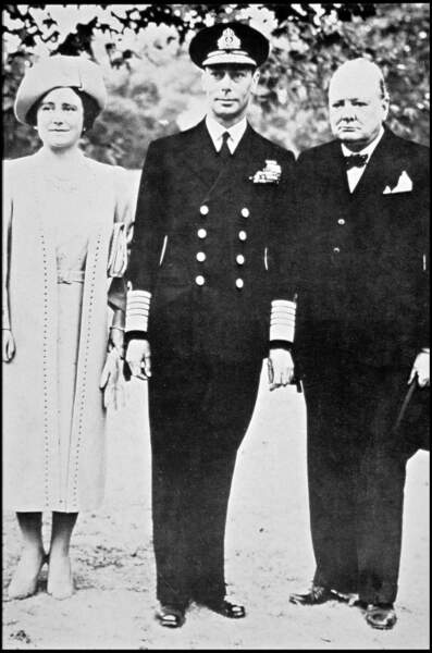 La Reine Mère, le Roi George VI et Winston Churchill.