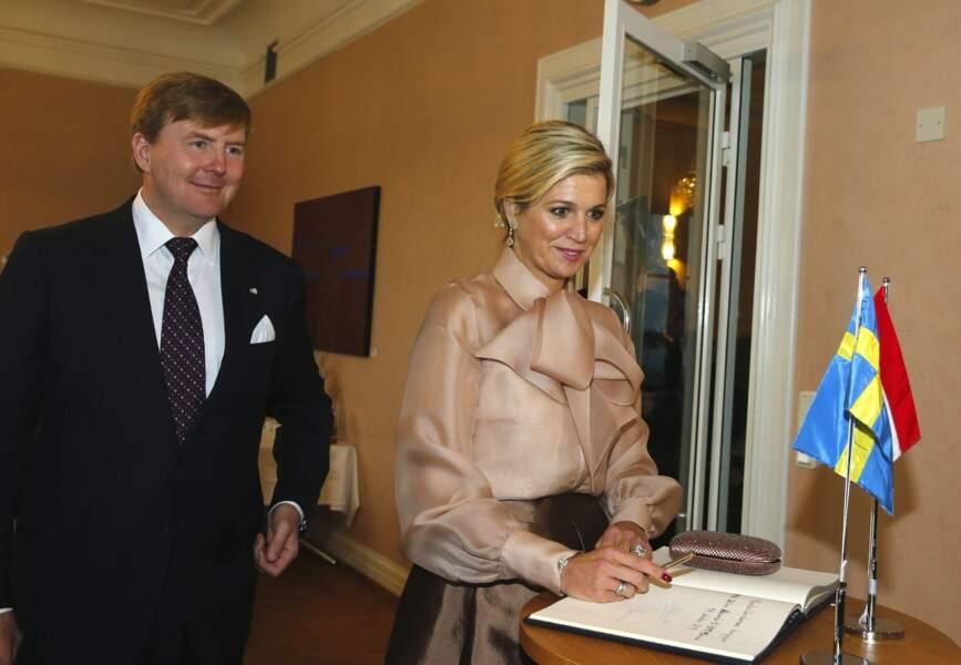 Le roi Willem-Alexander et la reine Maxima des Pays-Bas en voyage officiel à Stockholm en 2013.