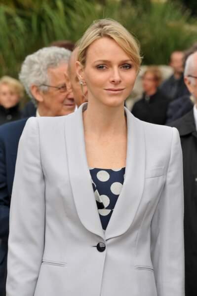 Charlène de Monaco très élégante, avec sa bague de fiançailles