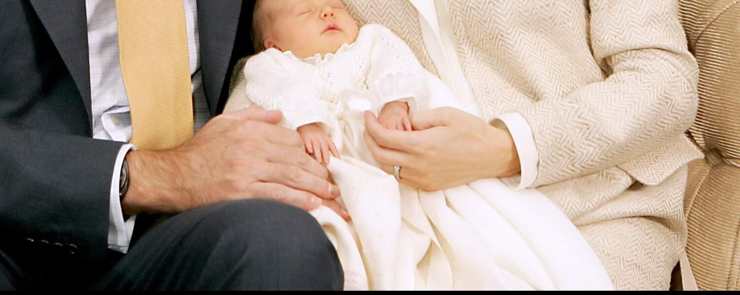 Zoom sur la bague de fiançailles de la Reine Letizia, qu'elle ne porte quasiment jamais depuis son mariage.