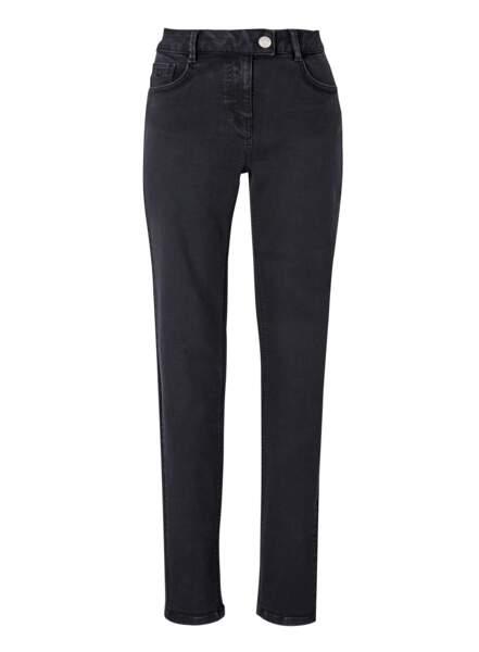 Jean noir en coton, 199€, Uja